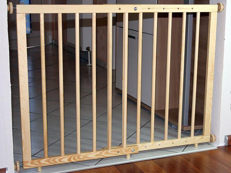 t rgitter schutzgitter verstellbar 70 bis 110 cm kiefer massiv neu ebay. Black Bedroom Furniture Sets. Home Design Ideas